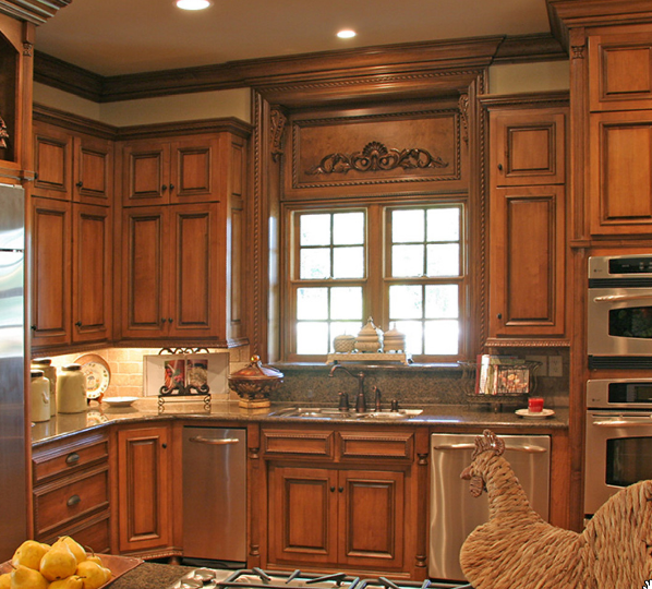 Medium Wood Cabinets Dark Glazing Dark Countertops Kitchen Cupboard  DesignsAntique Medium Wood Cabinets Dark Glazing Dark Countertops Kitchen