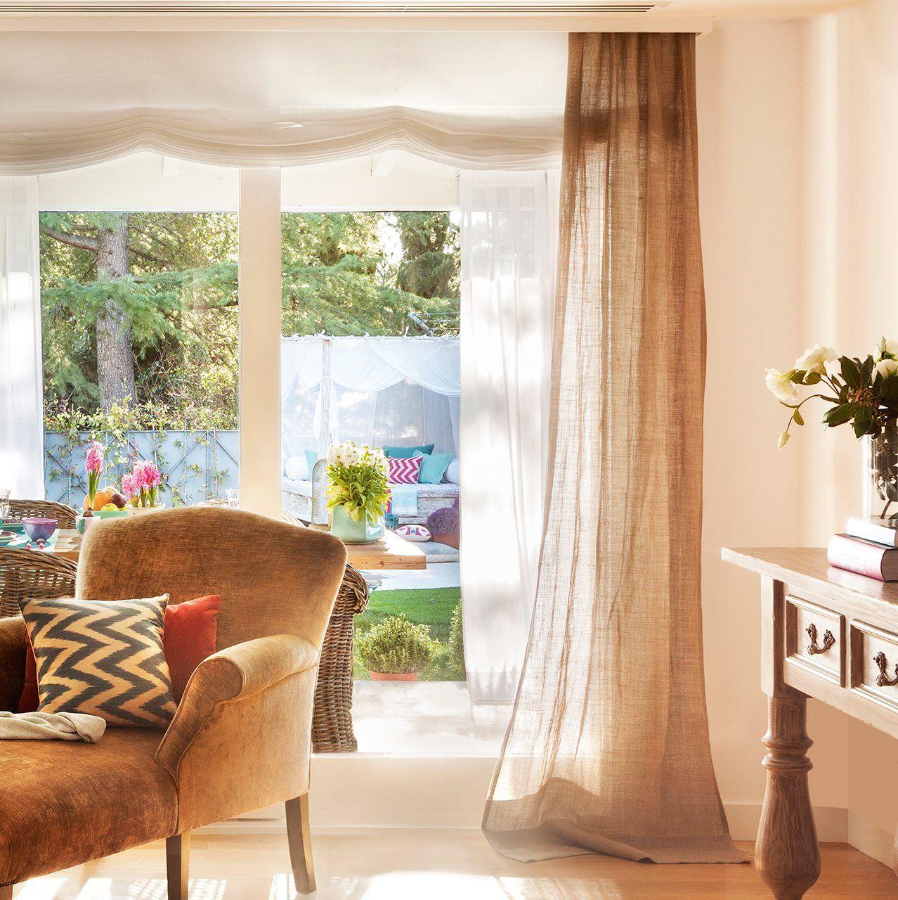 Fuera dudas acierta con las cortinas decorar con telas - Decorar muebles con tela ...
