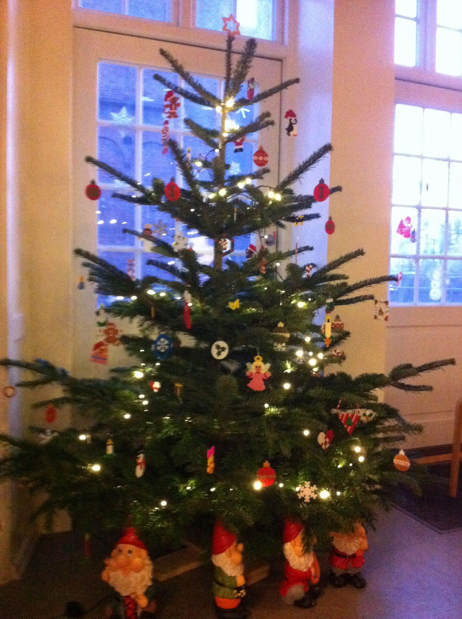 Juletræ med hama perle pynt