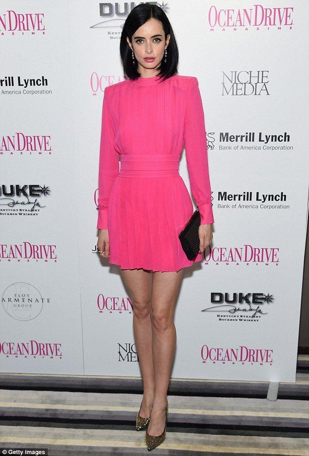 Krysten Ritter displays her killer legs in hot pink dress ...