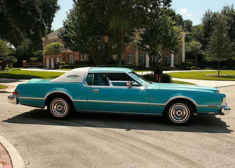 1976 Lincoln Continental Mark Iv Givenchy Edition Lincoln Cars Classic Cars Lincoln Continental