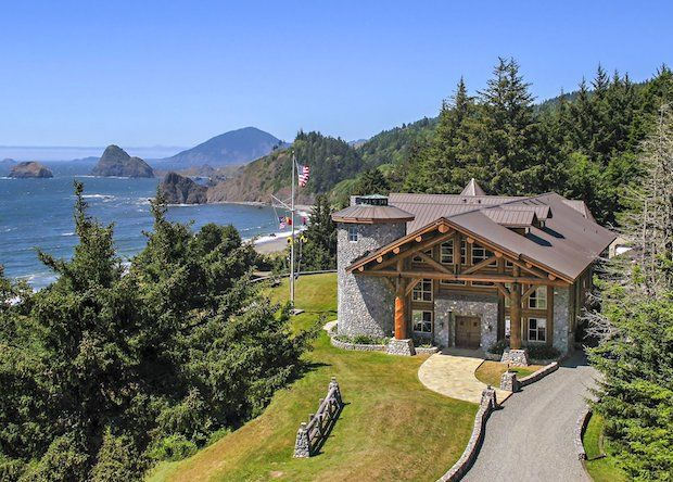 For Luxury Log Home In The Southern Oregon Coast