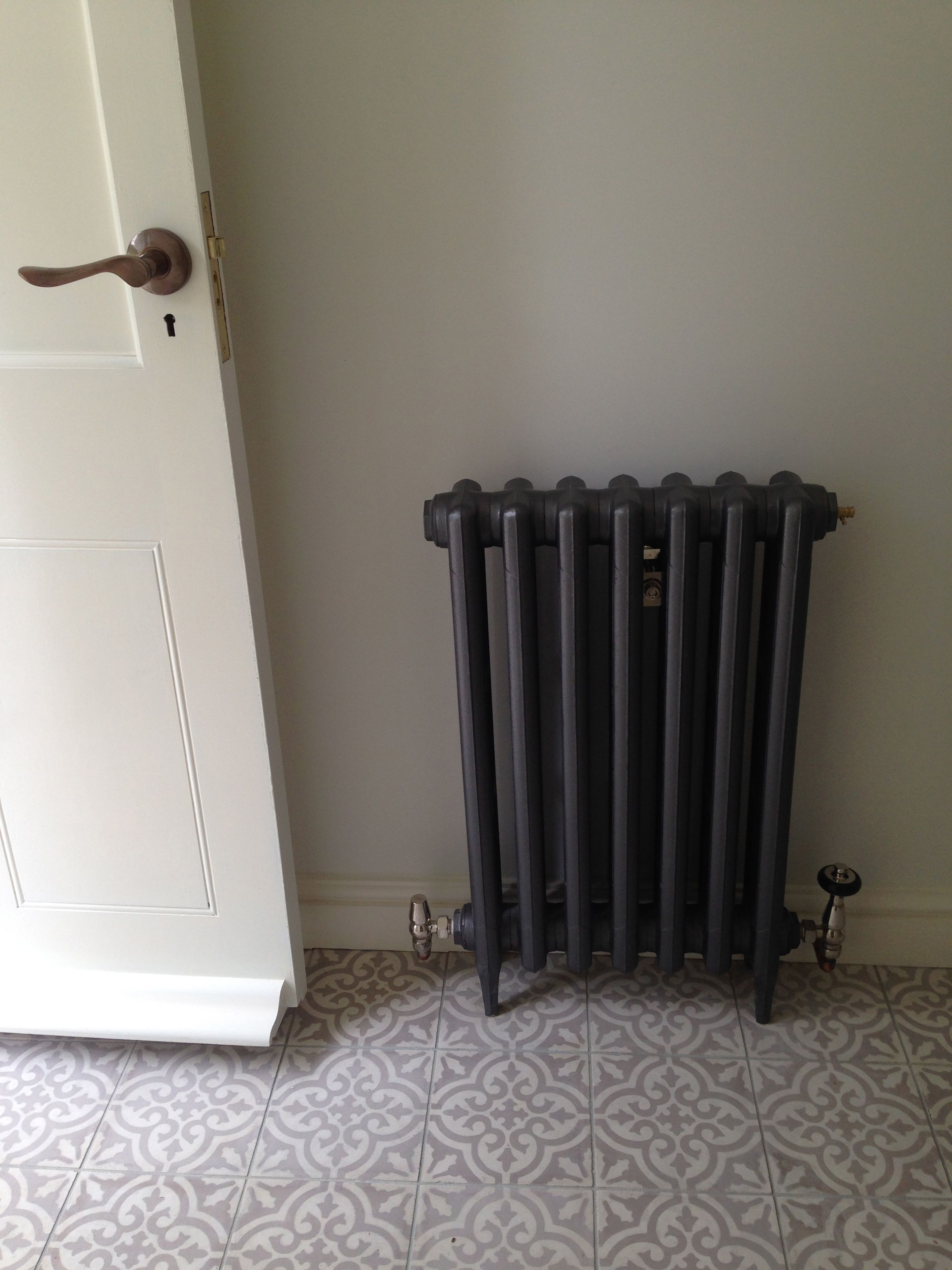 King 670Mm Cast Iron Radiator Finished In Full Polish From