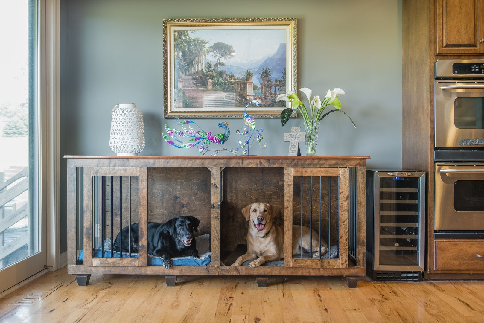Birch XL Double Kennel with solid Mahogany top!! (With