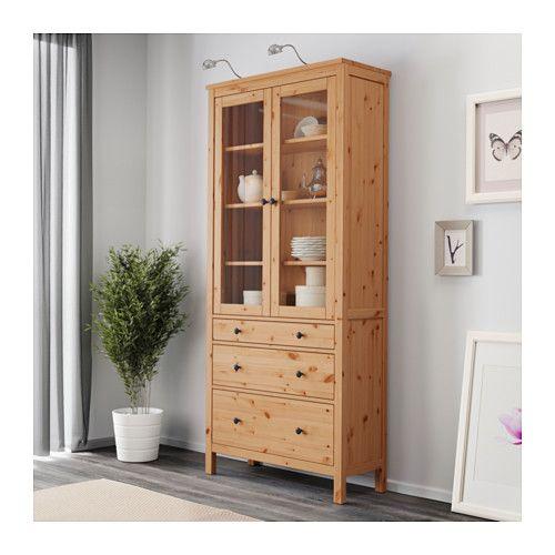 Armario Ingles Britanico ~ HEMNES Vitrina+3 cajones marrón claro IKEA Salon Pinterest HEMNES, Marrones claros y