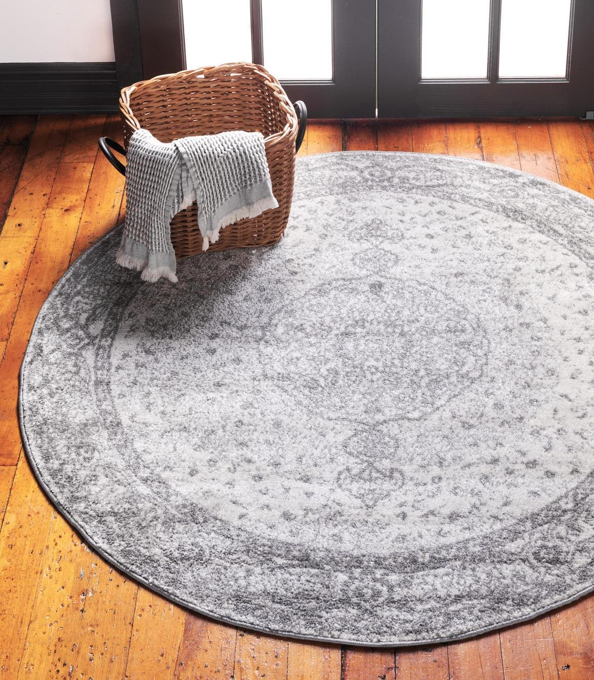 Dover Gray Vintage 3 Ft Round Area Rug In 2020 Round Rugs Rugs