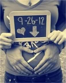 Pregnancy announcement with due date