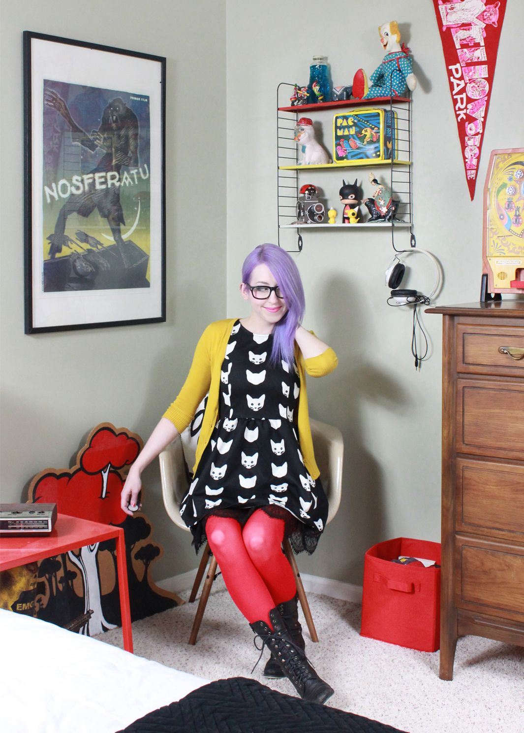 New purple hair and a corner of my home. #saraharvey #purplehair #haircolor #style #fashion #interiors