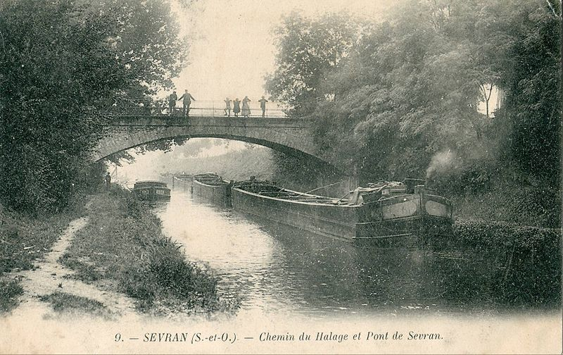 The Canal de l'Ourcq at the beginning of the 20th century