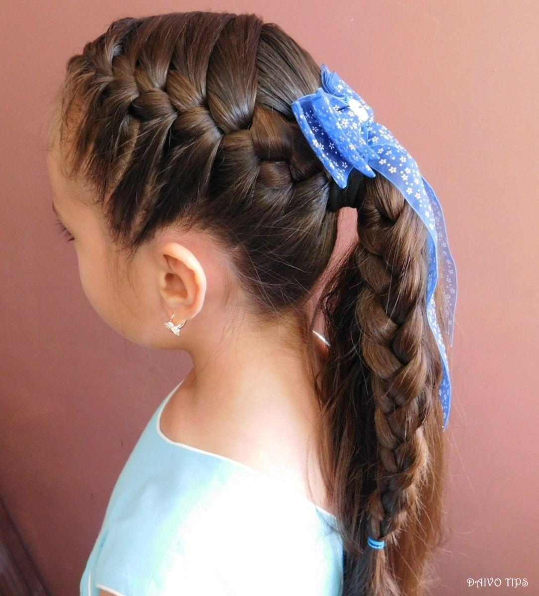 Trenza Lateral De Tres Cabos Con Coleta Peinado Facil Para La Escuela Peinados Faciles Para La Escuela Peinado Facil Peinados