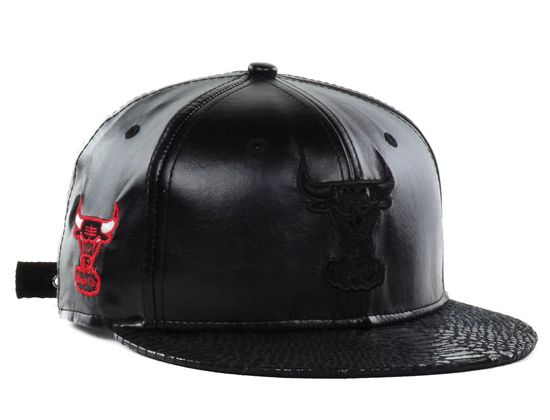 d8da3143f56ae Chicago Bulls Leather Luxe 9Fifty Strapback Cap by NEW ERA x NBA ...