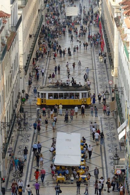 LISBOA, PORTUGAL. Rua Augusta. CİTİES AND STREETS - Coleções - Google+