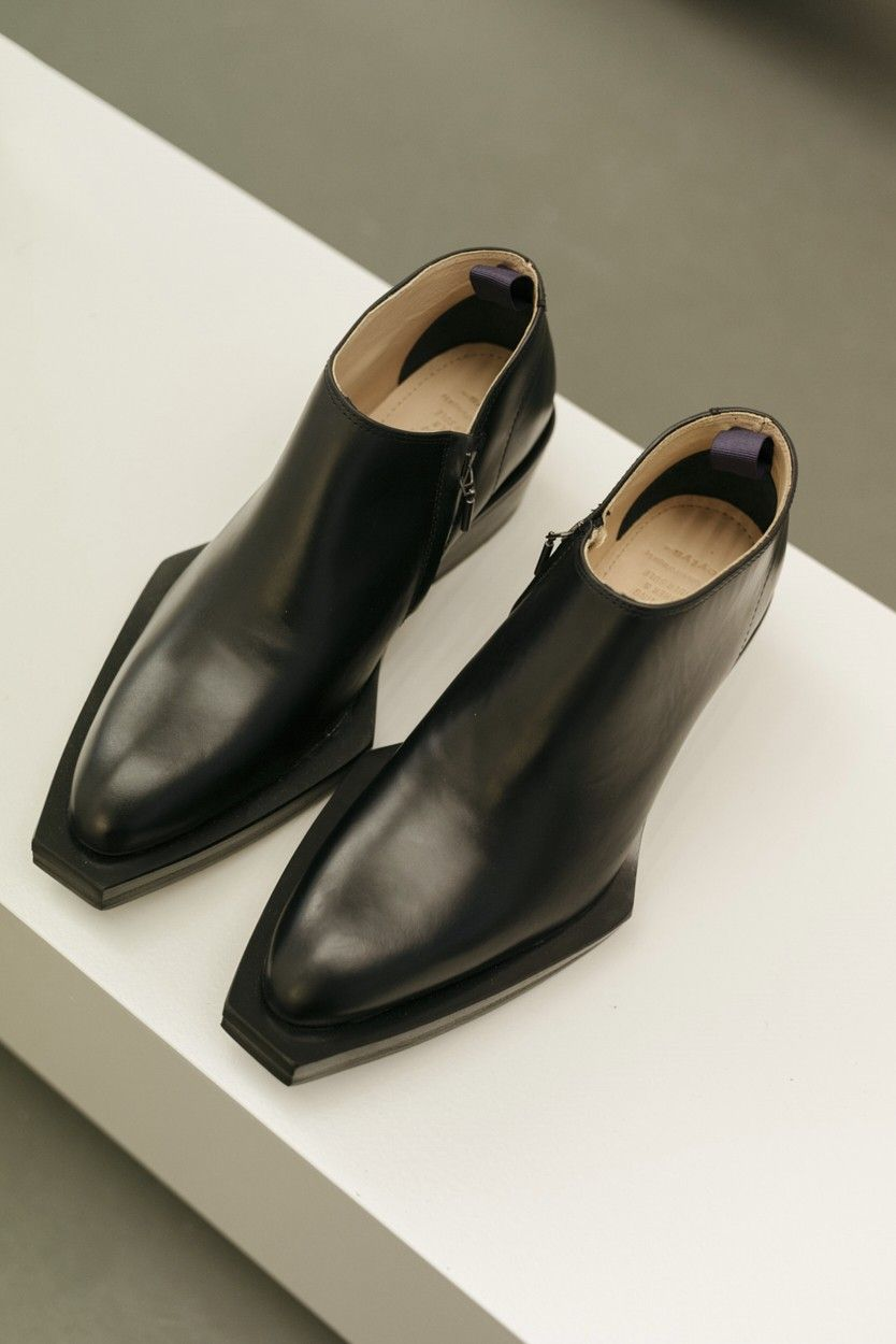 53b35fc236e Eytys Romeo leather ankle boots