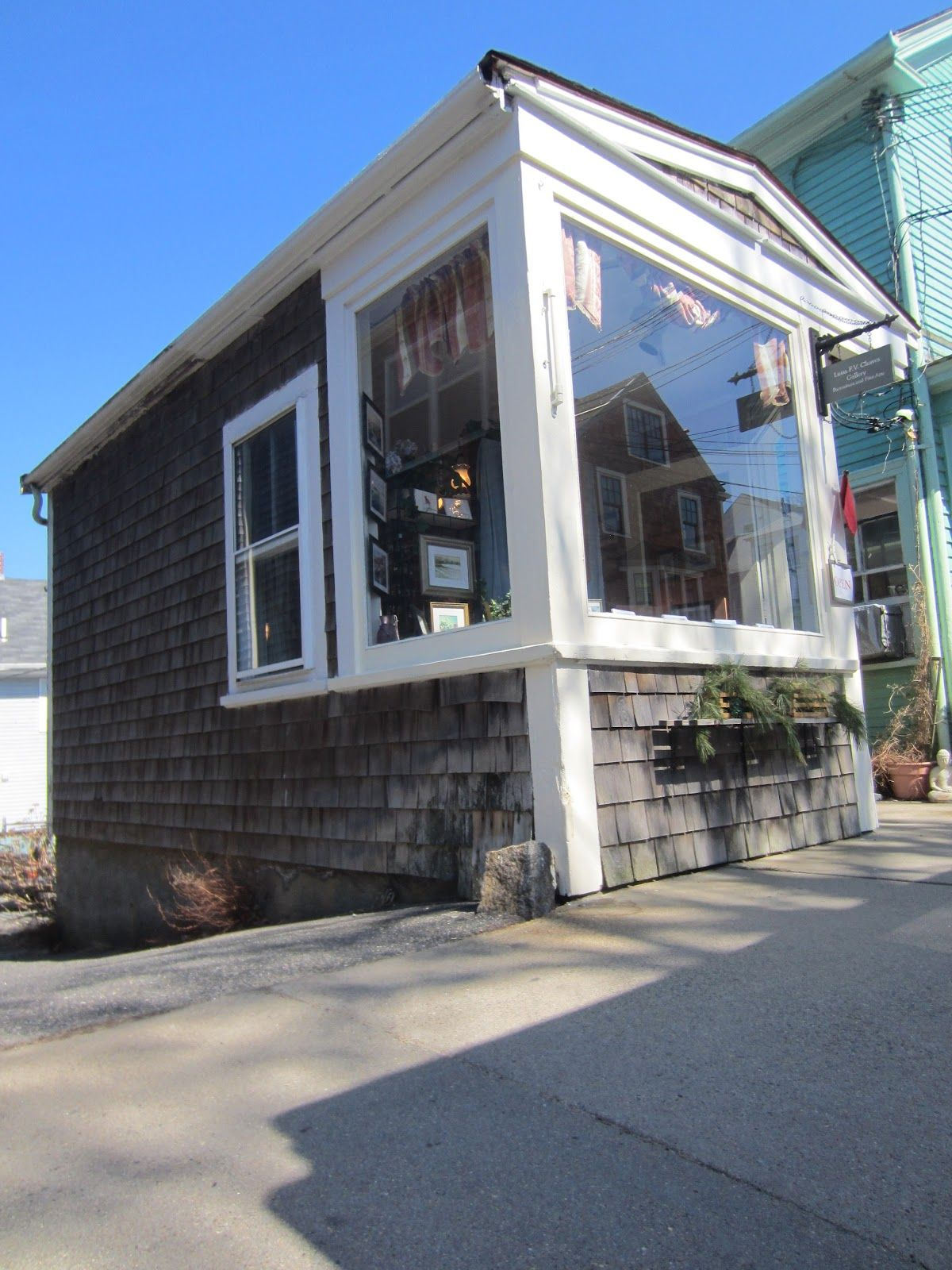 Ten Really Cool Tiny Houses In Rockport Ma A Small House Photo Gallery Tiny House Small House Small House Living
