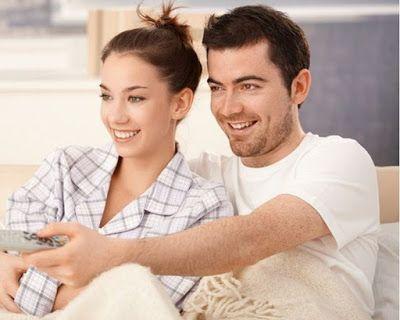 كلنا نطمح بأن تكون حياتنا الزوجية سعيدة حيث أن كل بيت لا يخلو من الخلافات لكن بالذكاء والحب والحك Marriage Life Couple Photos Couples