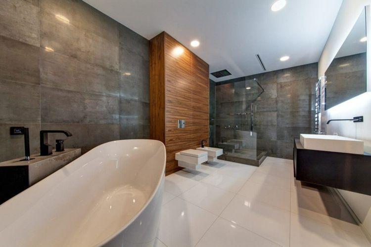 Wohnung Einrichten Grau Fliesen Weiss Badewanne Oval