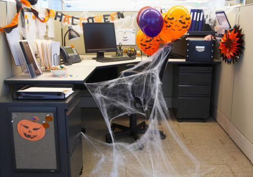 Ideas For Decorating Your Cubicle For Halloween