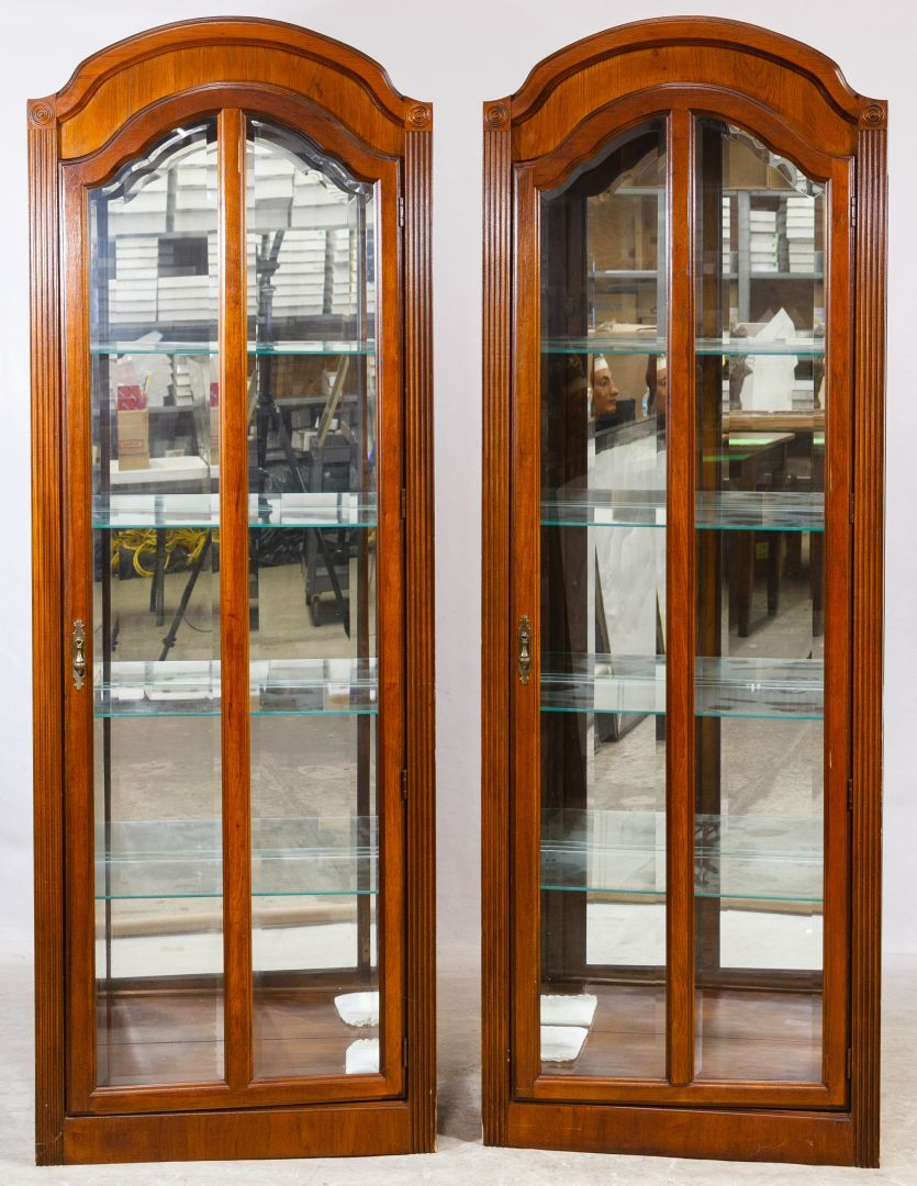 Lot 97 Mahogany Stained Display Cabinets By Ski Furniture Co Two Matching Illuminated With Arched Wood Frame Beveled Gl Doors