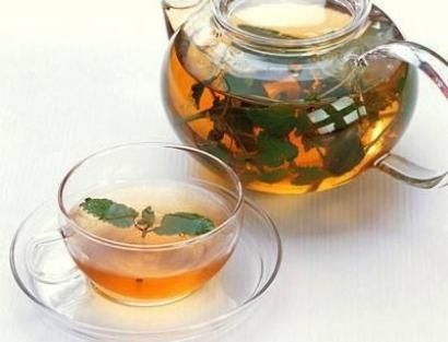 Detoks çaylarının vücuttaki toksinlerin atılmasının dışında başka faydalarının da olduğuğu tespit edilmiştir. Bu bağlamda bir soru ortaya çıkmaktadır. &qout;Detoks çayı zayıflatır mı ?&qout; Dengeli bir diyet ve egzersiz yapılırsa, detoks çayı kilo vermeyi kolaylaştırır. Sadece…