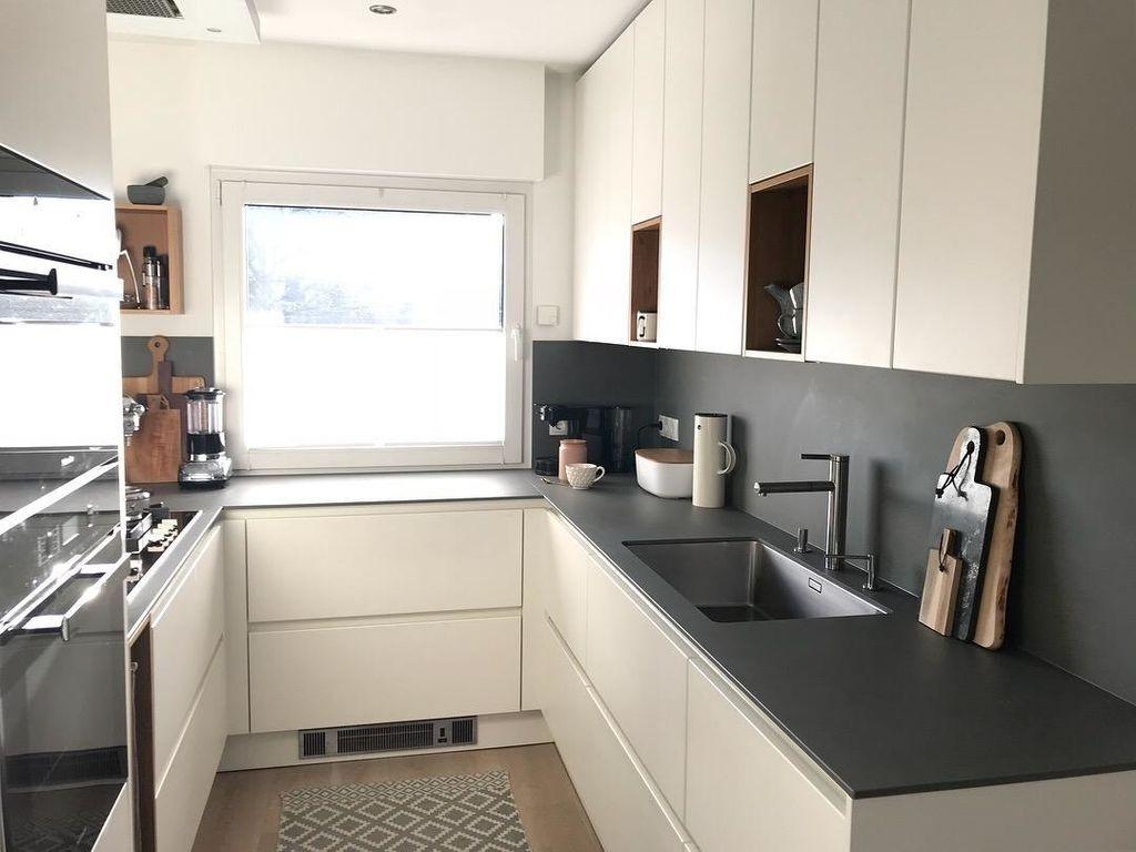 So viel Licht ️ #küche #kleineküche #griffloseküche...