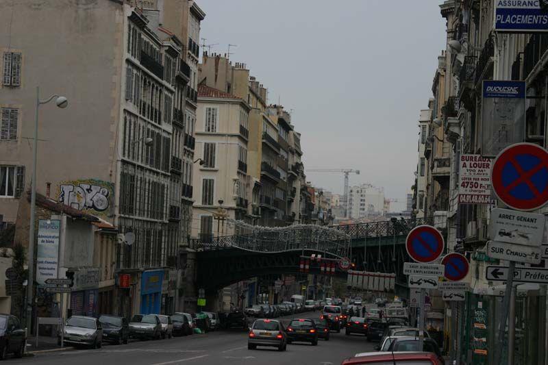 Imágenes de la vida cotidiana en la ciudad de Marsella, Francia. 2007.