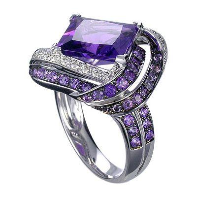 18K white gold amethyst and diamond ring. #dyuminart