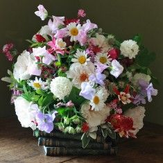 The Real Flower Company English Wild Flowers & Sweet Peas