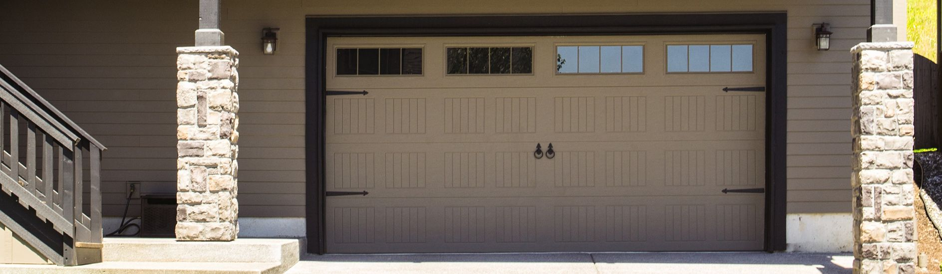 9100 9600 Steel Garage Door Sonoma Taupe Stockbridge Wayne Dalton Garage Doors Garage Doors Door Glass Inserts