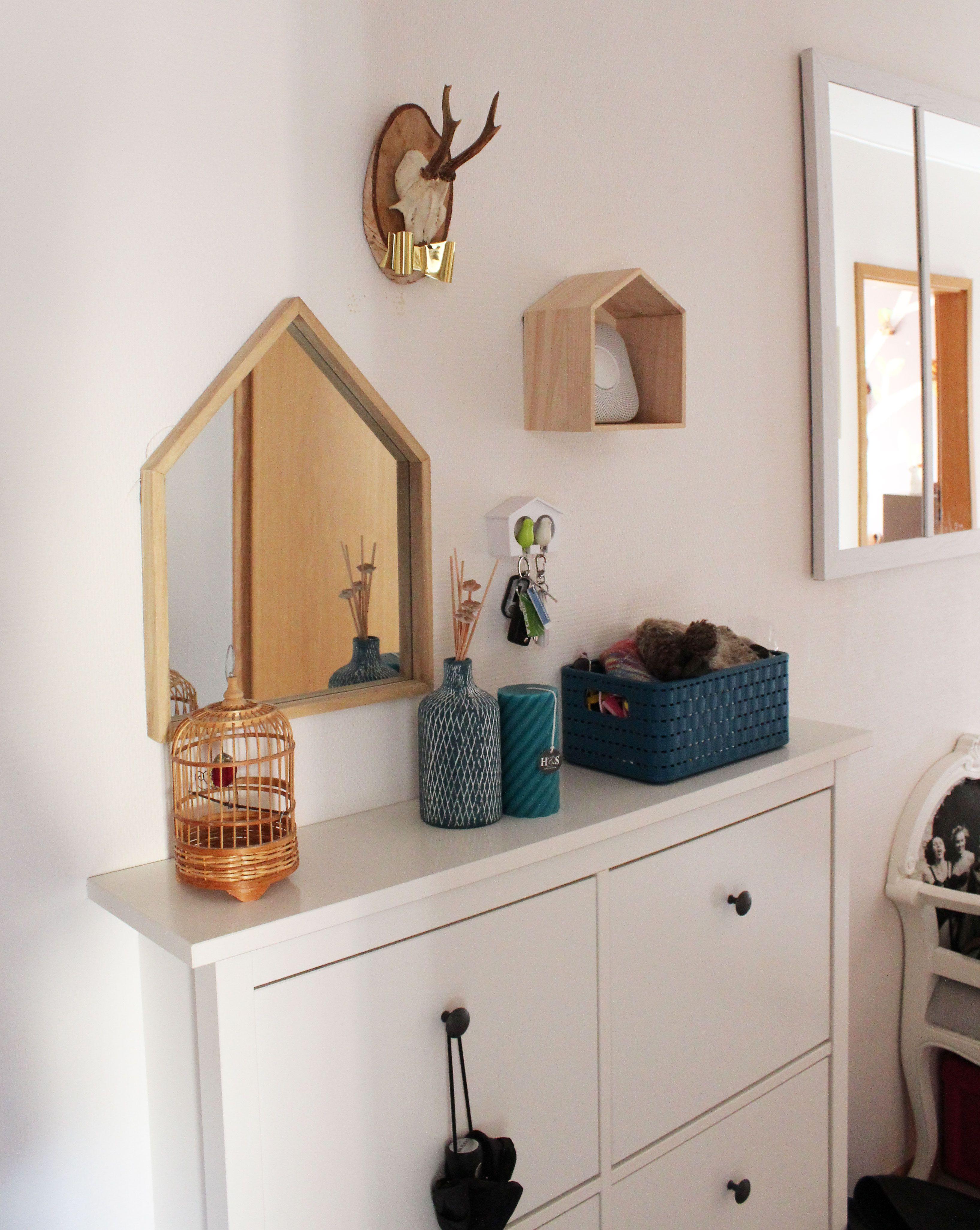 d coration relooking couloir entr e bleu p trole troph e miroir verri re iddiy interior. Black Bedroom Furniture Sets. Home Design Ideas