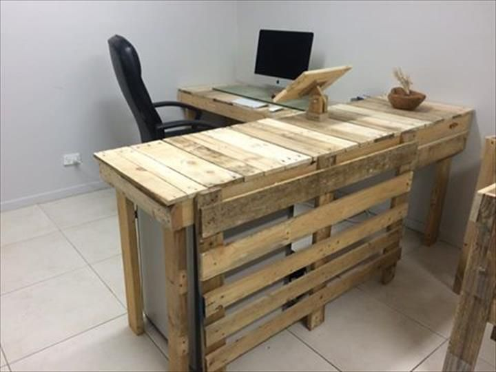 And That Is Diy Pallet Office Furniture Built Wholly From The Recycling Of Low Cost Durable Wood This Collection Includes Two