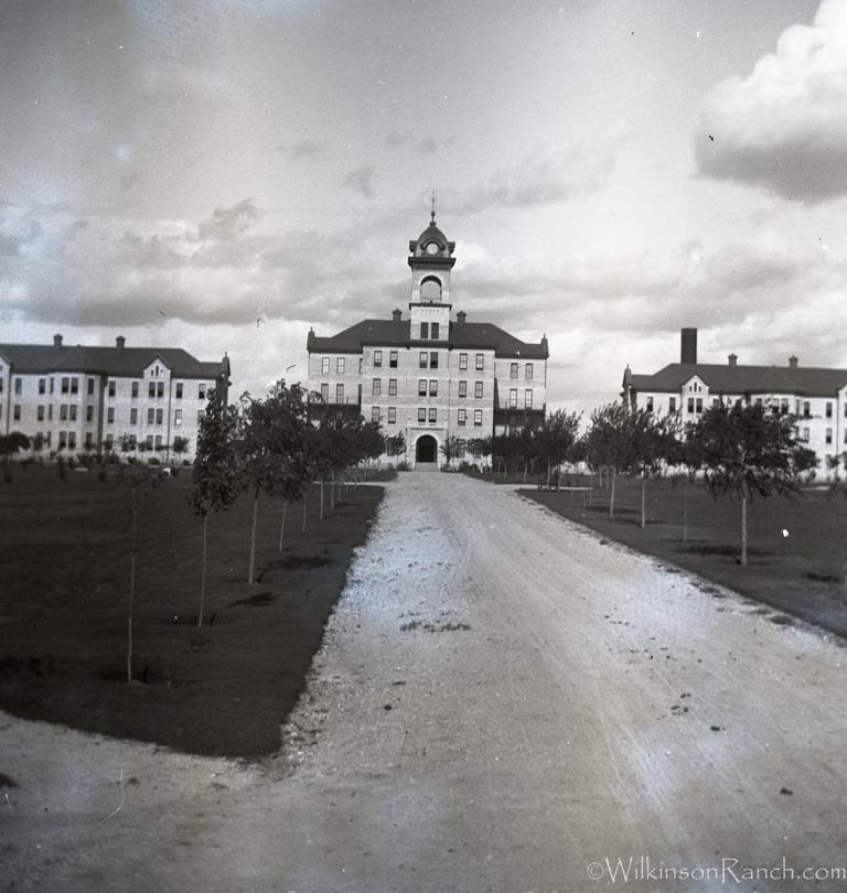 Insane Asylum in San Antonio, Tx Abandoned prisons