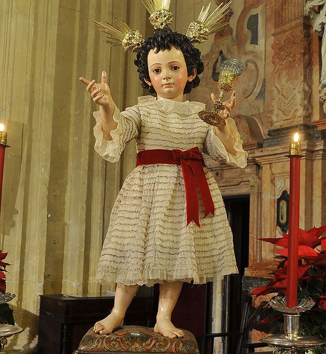 Niño Jesus del Sagrario Sevilla | Niño jesus, Niño dios vestido, Niños