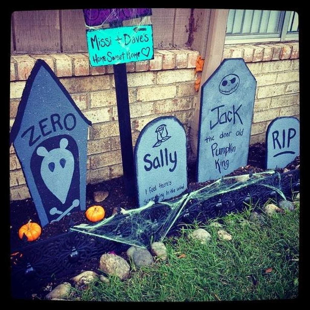 88 Scary Fall Yard Decoration Ideas You Should Try Yard - Halloween Graveyard Decorations