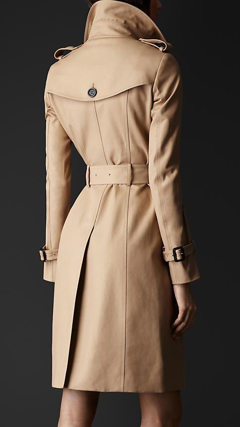 Мода и трендыДемисезонные женские пальто