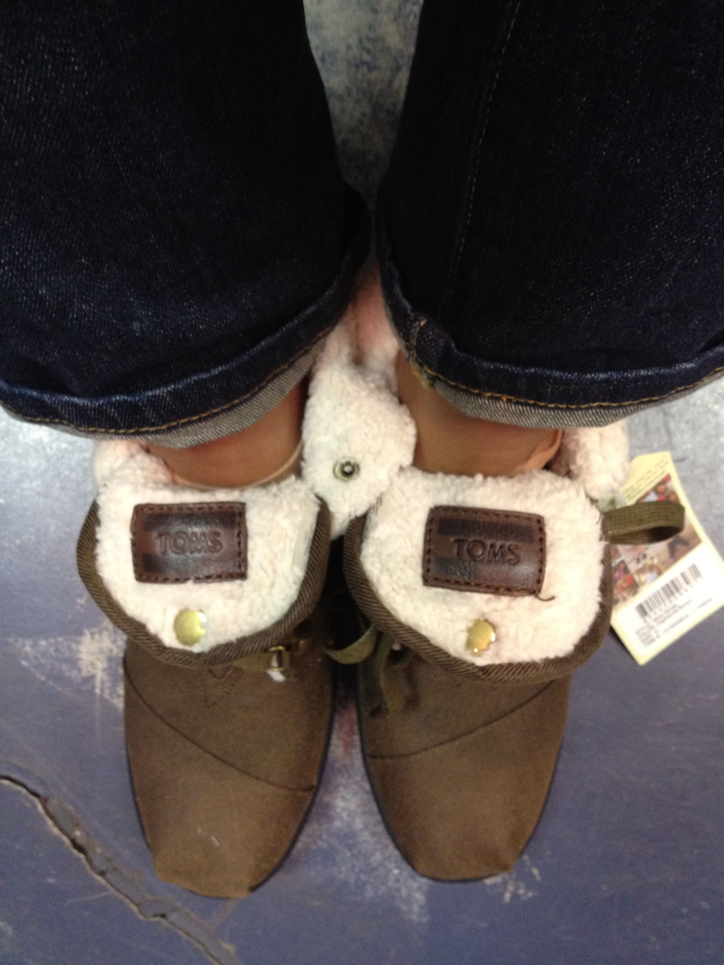 Love these Toms Botas!!