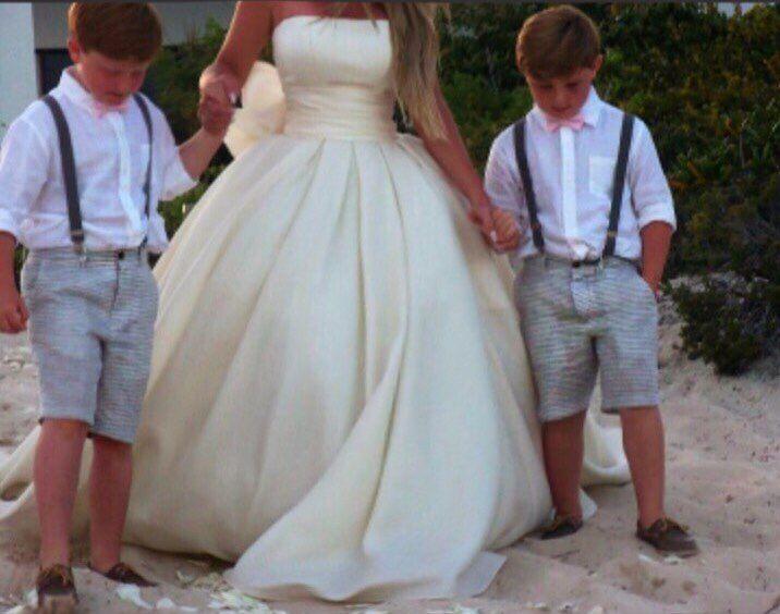 Kim Zolciak Biermann S Vow Renewal Dress Wedding Dress Gallery Pretty Wedding Dresses Vow Renewal Dress