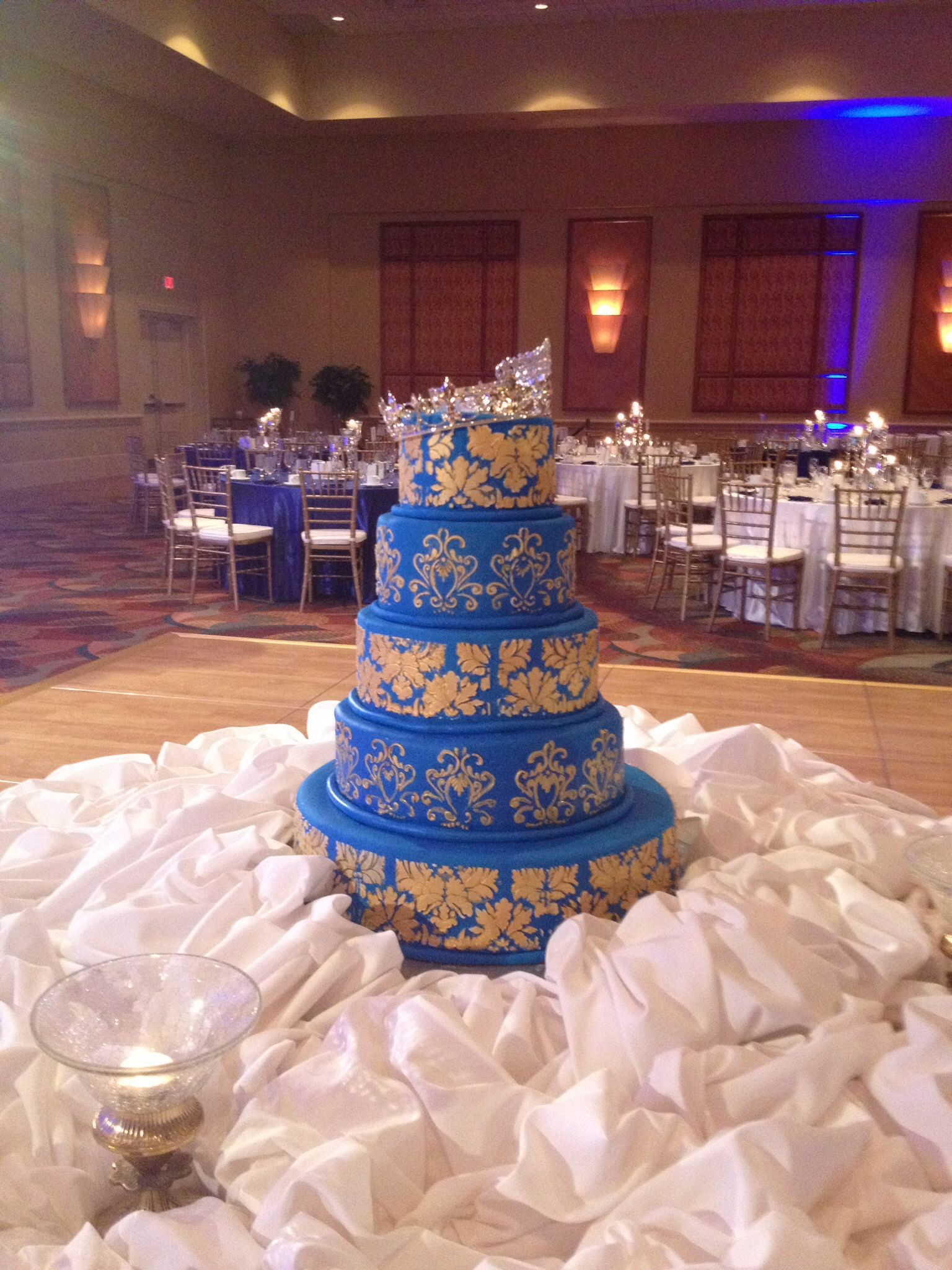 wedding cakes royal blue and gold royal blue and gold indian wedding cake indian wedding 25398