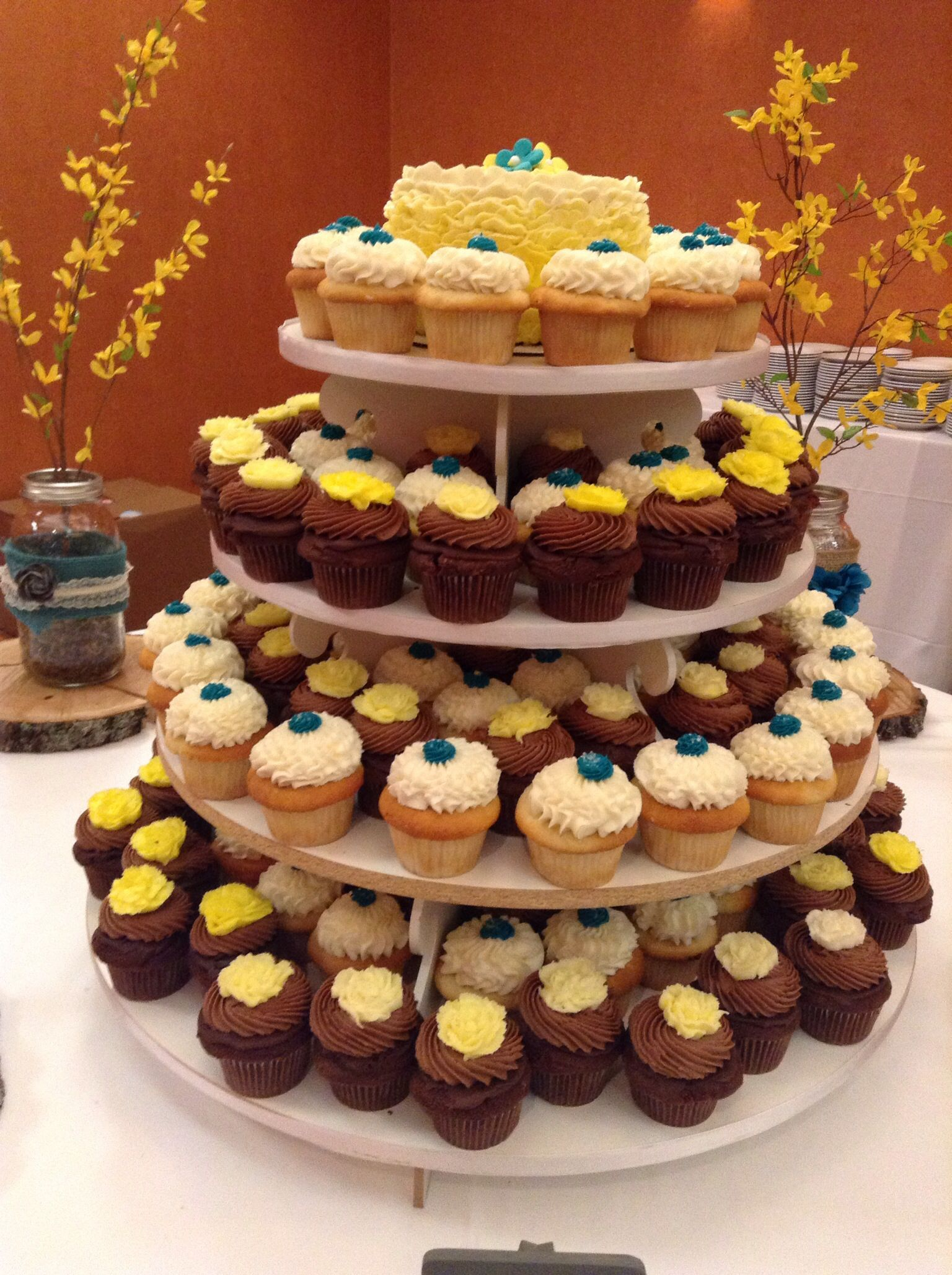 Hochzeit Cupcakes Weddings By Serendipities Cupcakes In Lincoln Ne Serendipities