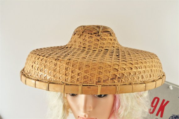 e28b727b60b73 Vintage Oriental Asian Chinese Wide Brim Straw Sun Hat Costume Theater 50s  60s Peasant Bamboo Cane W