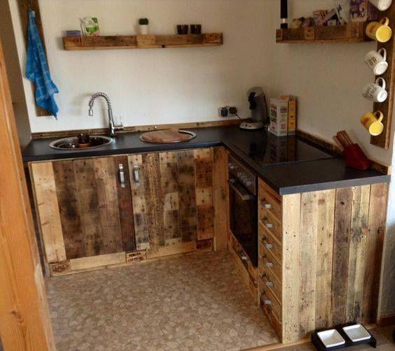 Este mueble de cocina rustico hecho con tarimas recicladas ...