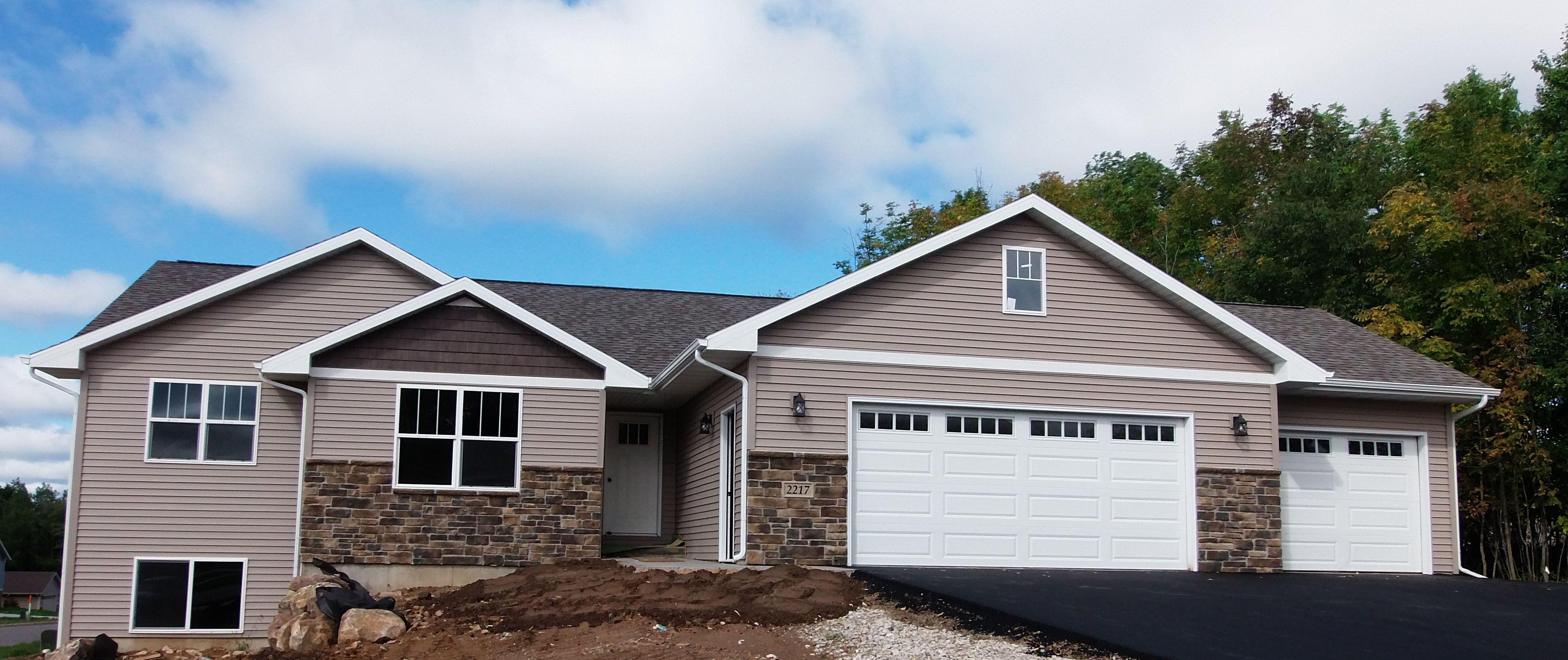 Vc105 Iris Floor Plan Ranch Siding Color Pebble Clay Harvest Cedar Shakes Stone Color Pennsylvania Ledges Floor Plans Ranch House Styles House Design