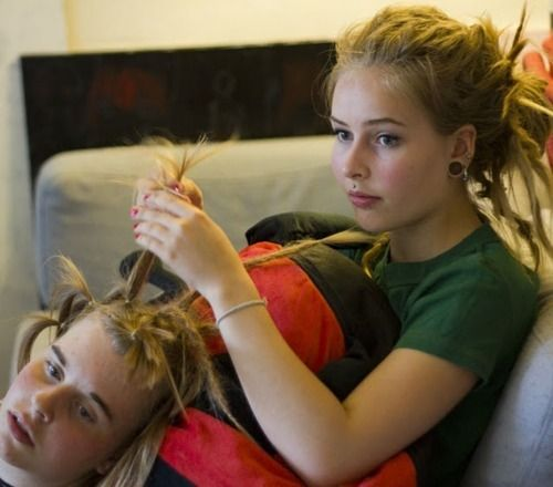 Helping hand! Getting dreads...twist n rip.