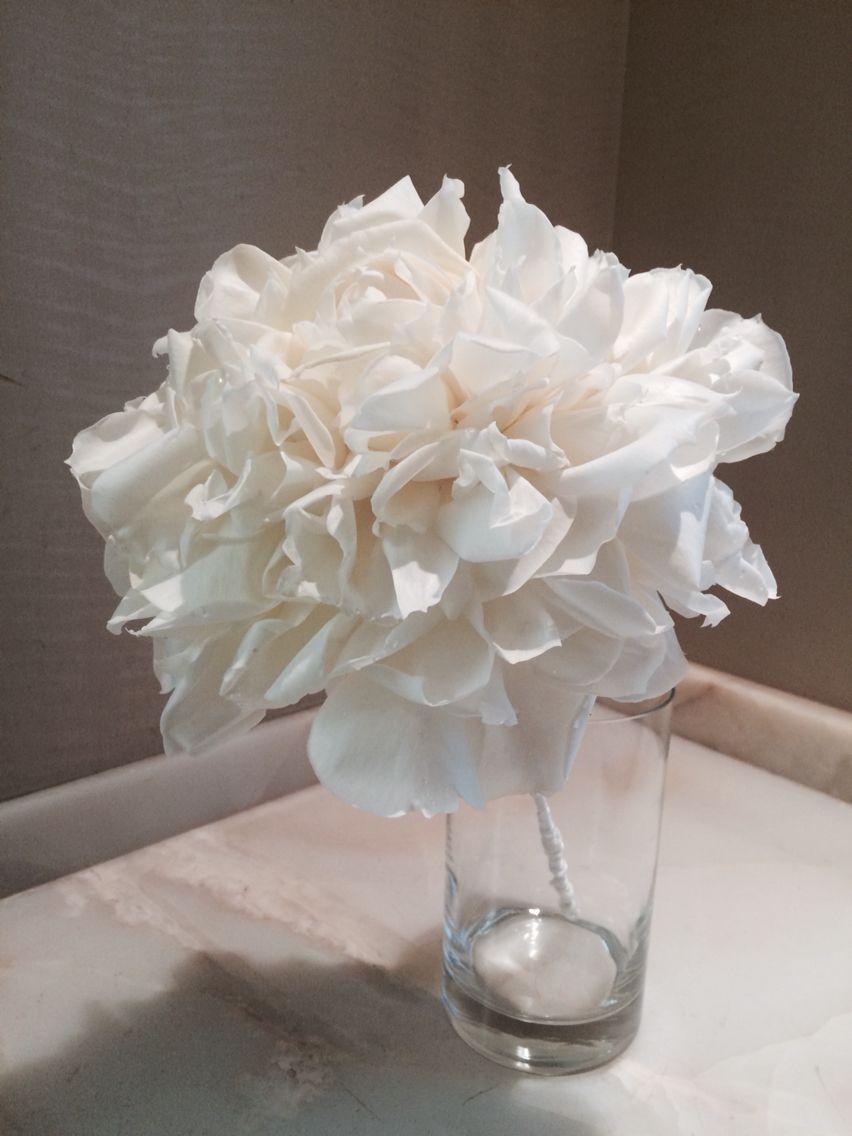 Rose petals bouquet