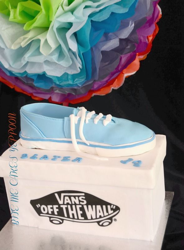 vans off the wall cake
