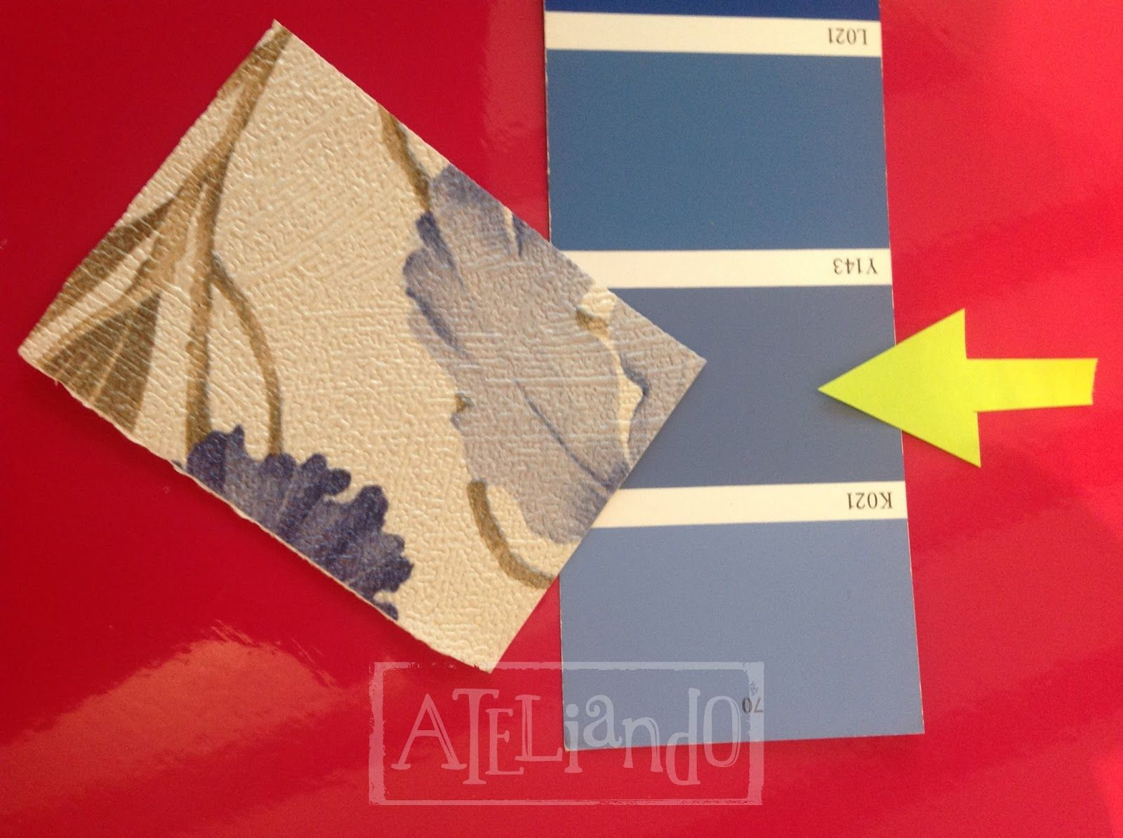 Ateliando - Customização de móveis antigos: Rack de TV modelo Provençal  E é assim que chegamos na cor do papel de parede!