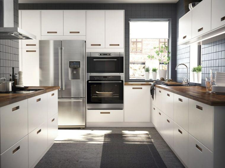 arredamento-moderno-cucina-bianca-top-legno-elettrodomestici-incasso ...