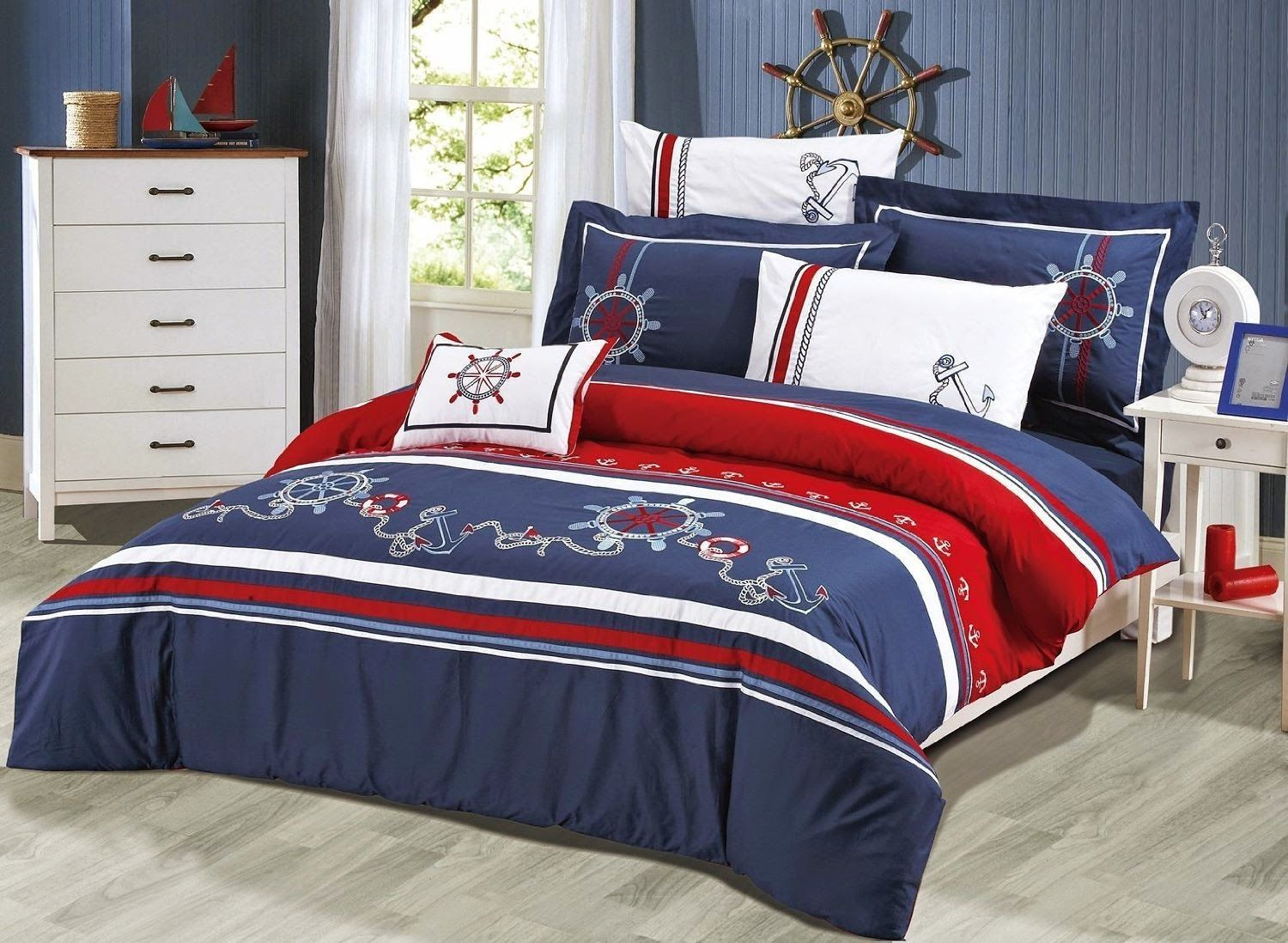 bedroom decor ideas and designs: top nautical sailor themed