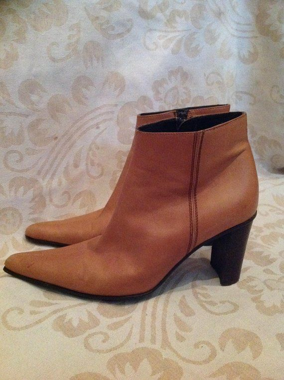 cc725e2dbe5fe 90s Beige Pointy Ankle Boots Tan Ankle Booties US 7,5 EU 38 UK 5,5 ...