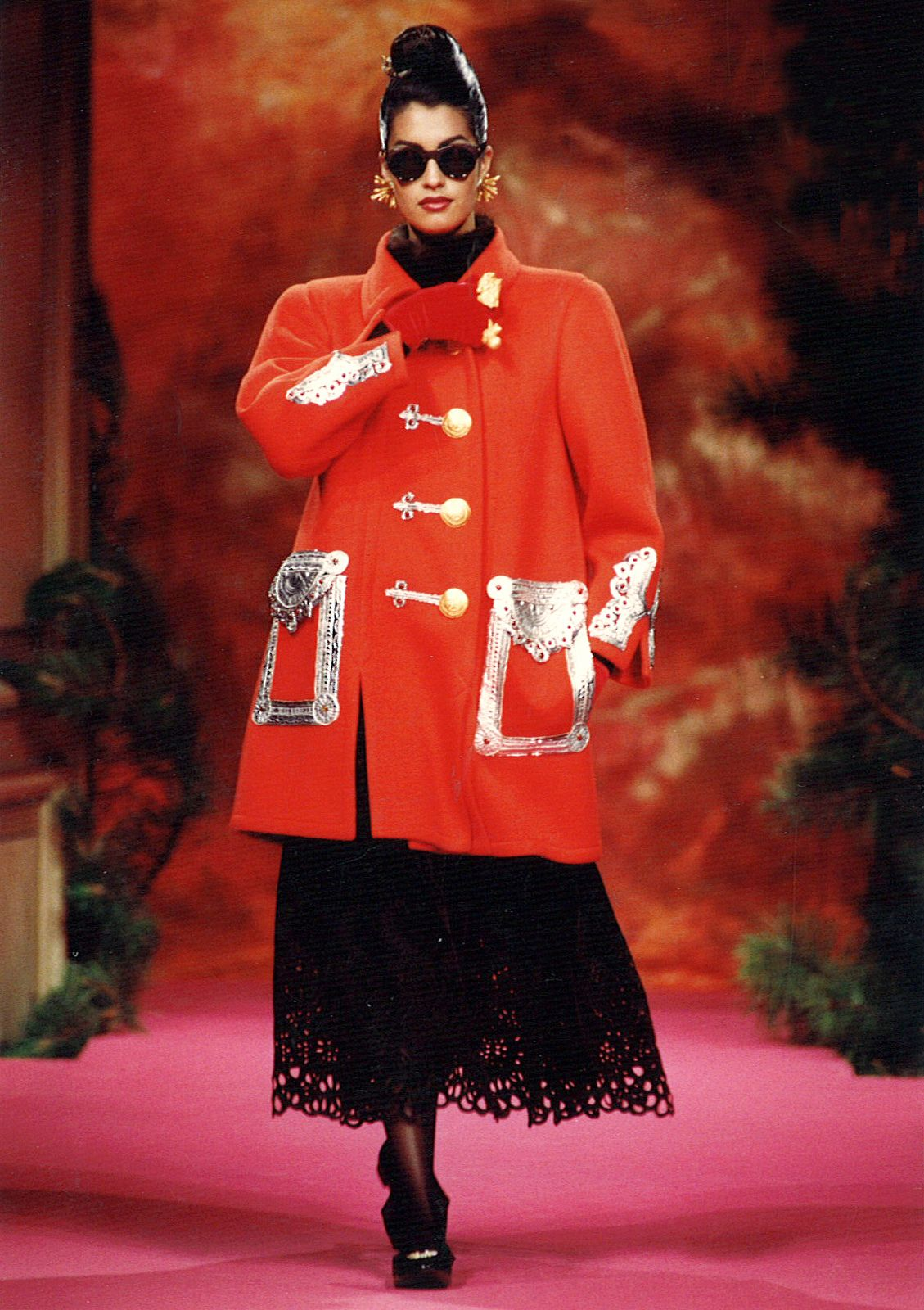 Yasmeen Ghauri - Christian Lacroix Haute Couture Fall-Winter 1991 | von Christian_Lacroix