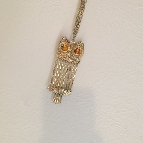 Owl necklace Long gold owl necklace. Good condition Jewelry Necklaces